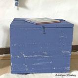 Shabby Holztruhe in blau