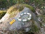 Bracelet noisetier tourné au tour à bois et perles aventurine verte diamètre 6 mm