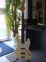 【中古品】Squier Jazz Bass White 2003年製