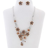 9. Modeschmuck Set: Collier + Ohrstecker