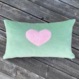 KuschelKissen ~ NICKY ~ grün mit rosa Plüsch-Herz-Applikation