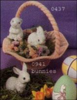 Drei kleine knuffige Hasen im Set