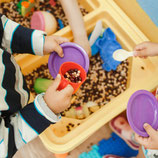 Die Welt um mich erleben und begreifen - Sensorische Integration bei Kleinkindern (0-3 Jahre)