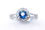 Verlobungsring aus Weißgold mit blauem Safir,  Brillanten,  Princess-Collection big