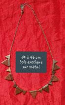 Collier 42 à 46 cm bois exotique sur métal