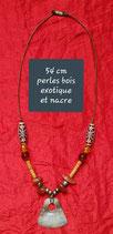 Pendentif 54 cm perles en bois exotique et nacre