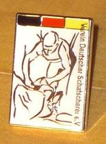Anstecker mit Logo des Vereins