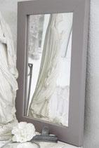 Jeanne d'Arc Living's Vintage Paint: Delightful plum, 100ml