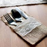 Pochette couverts en toile de jute et dentelle