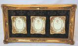 フォトフレーム ダマスク柄 ダマスクローズ クラシック 3窓 ファミリー アンティーク フレーム ゴールド 1383008