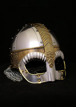 Brillenhelm Beowulf mit Wangenklappen und Brünne