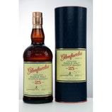 Glenfarclas 25 y.o.Volumen: 0.7 Liter | Alkoholgehalt: 43% | Kühlfiltriert | Ohne Farbstoff