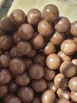 Boules mais soufflé et chocolat au lait en vrac