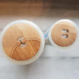 Knopf Holz geriffelter Bogen groß und klein