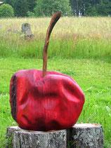 Handgeschnitzter Apfel rot