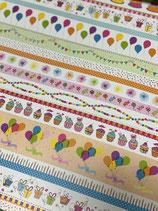 Tonkarton weiß mit bunten Geburtstagsmotiven in Reihen