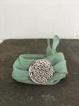 """Medallion """"Blume des Lebens 4"""" an einem Seidenwickelarmband"""
