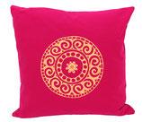 """Designer Sofa-Kissen-Bezug """"Mandala"""" klein fuchsia"""
