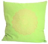 """Designer Sofa-Kissen """"Madras Blüte"""" klein hellgrün"""