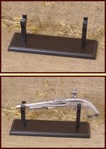 Holzständer für Steinschloß-Pistolen H60992/BM