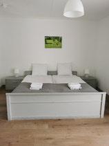 Standaard tweepersoonskamer met douche en toilet - 1 nacht -