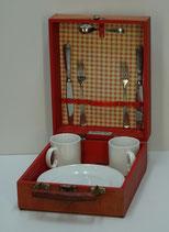 Te koop: picknick koffer (picnic hamper), 2-persoons, uit midden vorige eeuw.