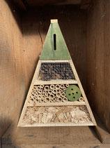 Insektenhotel grün