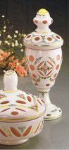 Pokal mit Deckel Überfangemail goldrubin - weiss Höhe ca. 27 cm handgeschliffen und handbemalt