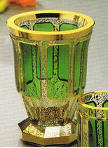 Leistenschliff Freundschaftsbecher grün Höhe 11,5 cm handgeschliffen und handbemalt mit 24-karätigem Gold veredelt