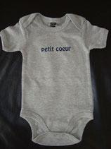 "Body bedruckt ""petit coeur"" grau-blau 3-6 Monate"