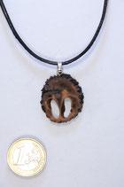 black walnut pendant | Schawarznuß Anhänger mit Lederband #01