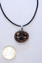 black walnut pendant | Schawarznuß Anhänger mit Lederband #04