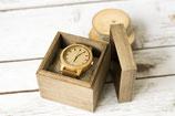 Armbanduhr mit Box und Gravur