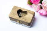 Holz Ringkissen mit Herz