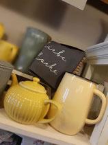 Jug  Emil`s Enamel Yellow/Pastellgelbe Emaillekanne rechts