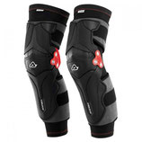 X-STRONG KNEE GUARDS - BLACK/WHITE - ONE SIZE