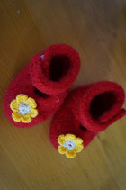 gefilzte Babyschuhe Blume