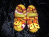 gefilzte Schuhe Schmetterling/gelb