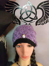 Mütze Beanie  schwarz lila weis Skullniete