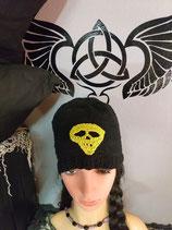 Mütze mit grellgrünem Totenkopf