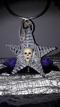 Weihnachtsstern mit Skull