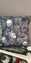 Gothic Kissen Wald Skulls Fledis