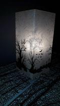 Glaslampe mit Friedhofdesign