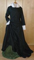 Wollkleid aus dunkelgrüner Wolle