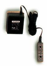 Beleuchtungstrafo mit 5 poligem Verteiler, für max. 5 Lämpchen, 3 Volt 2,4VA