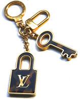 Louis Vuitton Schlüsselanhänger in Leo