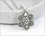 Halsktte mit Anhänger Lotus und 6 religiösen Symbolen versilbert / Edelstahl