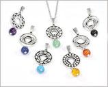 1 Halskette mit Chakra Anhänger und Edelsteinperle versilbert / Edelstahl