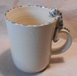 Tasse mit Henkelhocker graue Katze