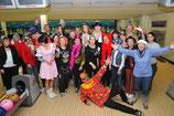 Karnevals-Bowling unter Freunden
